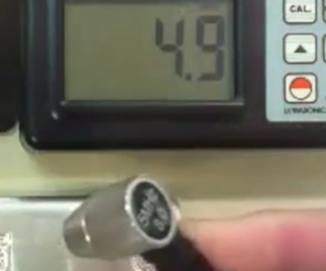 Demonstration to test fake silver bar and real silver bar